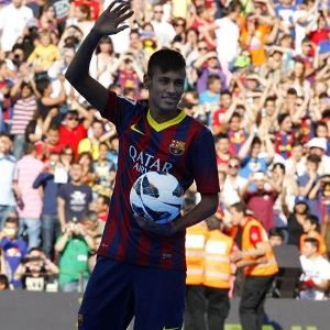 Barcelona FCspend €57 million on Neymar!