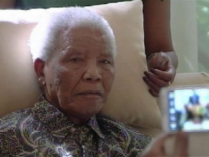 Apprehension as South Africans pray for Mandela