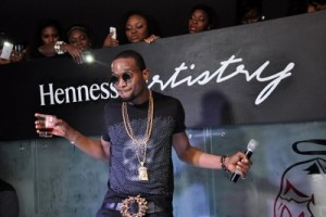 Hennessy Artistry: Dbanji parties with fans in Port Harcourt