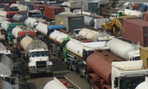 Tanker And Trailer Drivers Shut Down Oshodi-Apapa Expressway Again