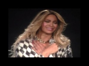 Beyoncé Breaks Down On Stage As Mrs. Carter World Tour Ends | Video