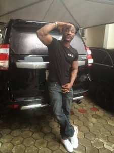 Iyanya Invades Computer-Village in Lagos for Solo Phone activation ceremony | He takes home 2014 Prado SUV