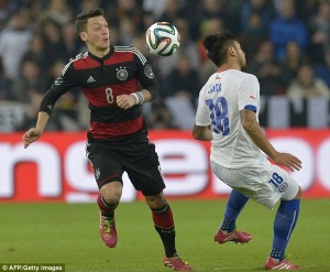 Mesut Ozil and Gemany were booed off in Stuttgart after an unconvincing win over Chile.