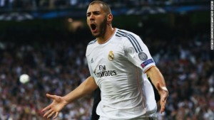 Karim Benzema's first half goal gives Real Madrid the advantage in a Champions League semi-final match with Bayern Munich