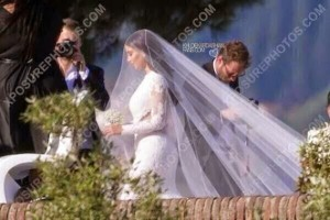 Photo: Kim Kardashian`s Wedding Dress On Her Big Day | From Givenchy