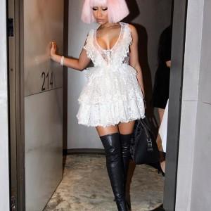 Photos : Nicki Minaj Stuns In New Photos At Milan Fashion Week