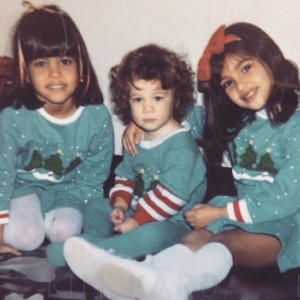 Photo: Kim,Khloe And Kourtney Kardashian On Christmas Day In 1986