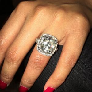 Photos : Nicki Minaj Gets Diamond Ring From Meek Mill For 33rd Birthday