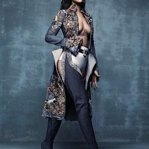 Photos : Rihanna Stuns For Vogue Magazine