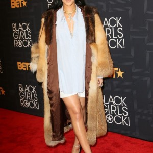 Photos : Rihanna Looks Stunning At BET Black Girls Rock Event