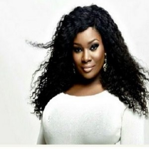 Toolz Oniru in Nasty Drama With Fans After Revealing She is Bleaching (Photos)