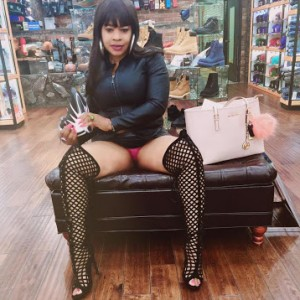 Photos; Controversial Afrocandy Flashes Her P*nties While On A Shopping Spree In US