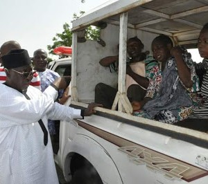 Nassarawa State Governor Stops His Convoy To Help Accident Victims (Photos)