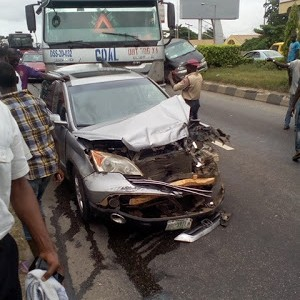 Photos Of Tragic Trailer Accident Along Surulere Road In Lagos