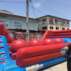 Update On A Man Who Climbed A Pool In An Attempt To Commit Suicide In Lagos