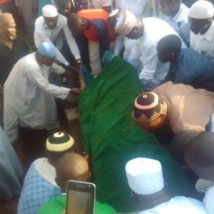 Pictures: Shuaibu Amodu Laid To Rest