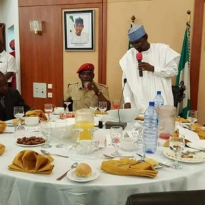 Sport Minister Solomon Dalung Breaks Ramadan Fast With FCT Minister And Friends (Photos)