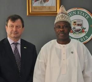 Photos: Gov. Amosun Receives British High Commissioner To Nigeria