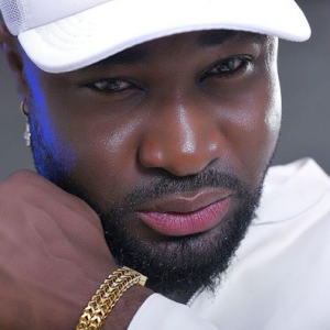 Fans Accuse Singer Harrysong Of Wearing Lipstick In New Photo (Screenshot)