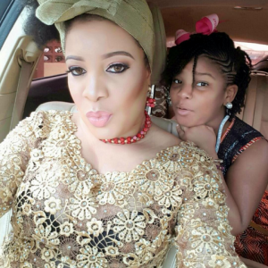 Photos : Monalisa Chinda Shares Adorable Photo With Her Daughter