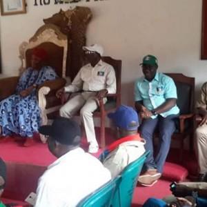 PHOTOS: Gov. Oshiomhole And Obaseki Visit Otaru Of Igarra Kingdom