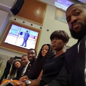 Fans Blasts Singer Timi Dakolo For taking Selfie During Church Service (Photos)