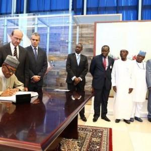 Photos: Pres. Buhari Signs Paris Agreement On Climate Change