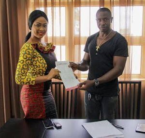 MBMN Tourism Queen Adaeze Aduaka Signs mega Financial Endorsement Deal With Anambra International Market (Photos)