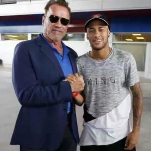 Arnold Schwarzenegger Meets Neymar And Other Barca Stars