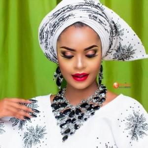 Big Brother Africa 2013 Winner Dillish Matthews Stun In Nigerian Native Attire