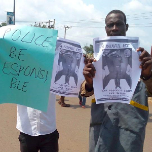 Photos: Angry Residents Protest Over Death Of Beloved Traffic Policeman In Akure
