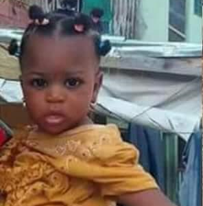 Heartbreaking photo of an Eight month old girl killed during the Shi'ites/Police clash in Kano