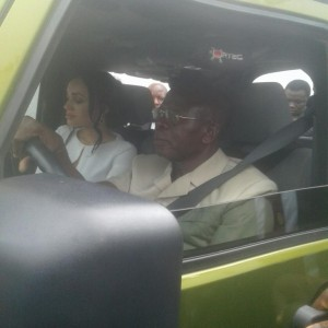 Oshiomhole Drives His Beautiful Wife To The Inauguration Ceremony Of Obaseki (Photos)