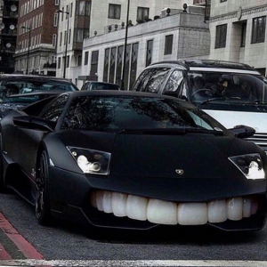 Check Out The Bizzarre Face 50Cent Gave His Car
