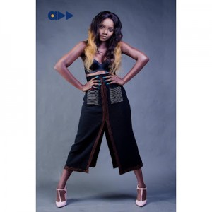 Displeased Fans Slams Simi Over Outfit