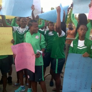 (Photos) Super Falcons storm the National Assembly in protest of unpaid allowances