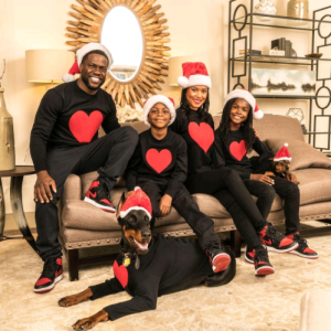 Kevin Hart, wife and children in beautiful Christmas photos
