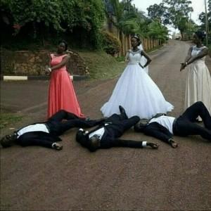 Checkout this epic wedding gun pose