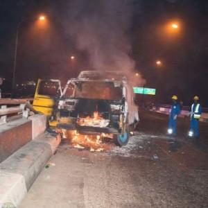 2 Injured As a Bus Burns Down At Obalende Bridge, Lagos State