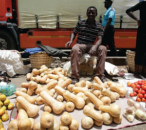 Zimbabwe gives illegal food vendors 48 hours to stop operations following typhoid outbreak