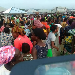 Photos: Travelers stranded as aggrieved Delta women barricade East-West Road over rape and killing by Fulani herdsmen