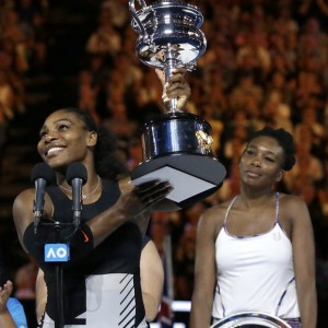 (Photos) Serena Williams beats sister Venus to win her 7th Australian Open title