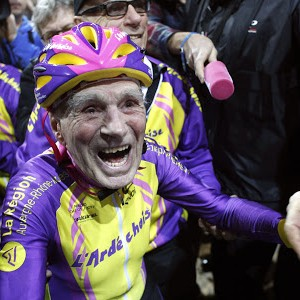 105-Year Old Cyclist Breaks World Record