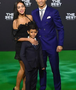 Cristiano Ronaldo and girlfriend Georgina Rodriguez make first red carpet debut (photos)