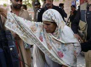 Woman sentenced to death for burning daughter alive in Pakistan
