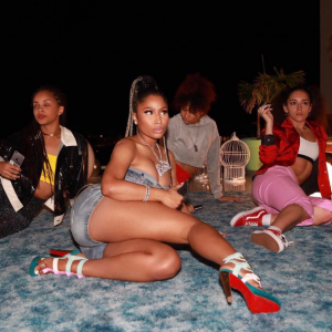 Nicki Minaj shares sexy photos
