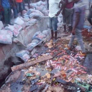 Heartbreaking! Dangote Truck Reportedly Kills 7 Persons in Ihiala, Anambra (Graphic Photos)