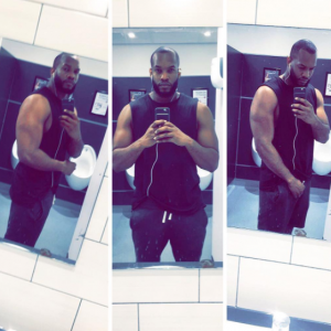 Lynxxx shares sexy bathroom selfies