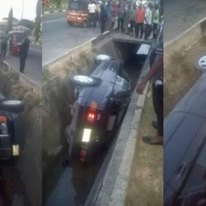 Driver Feared Dead After Car Falls Into Drainage in Akwa Ibom (Photos)