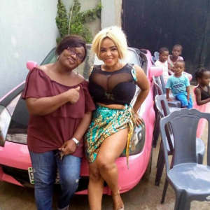Cossy Ojiakor shows off her famous boobs for her birthday party (Photos)